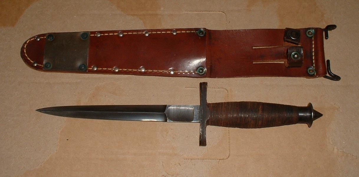 http://www.usmilitaryknives.com/Images_2009/V-42%20Knives%20042a.jpg